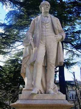 Fig. 1 - Monumento a Laurent Cerise ad Aosta